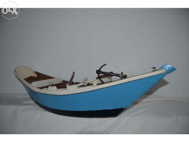 Miniatura bote artesanal