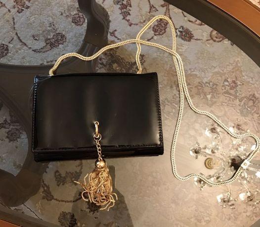 Вечерняя лаковая сумочка