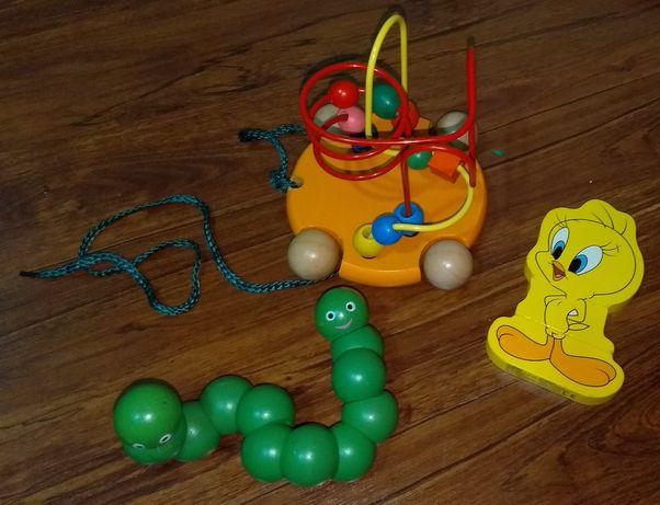 Деревянные игрушки: пальчиковый лаберинт,пазл на магнитах и крутилка-в