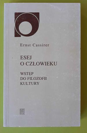 Esej o człowieku Cassirer