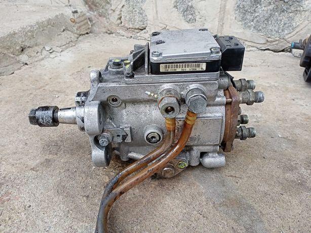 ТНВД топлевний насос бмв BMW e46 m47 2.0 дизель BOSCH 13 51 7 787 562