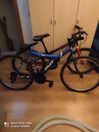Estrutura de bicicleta azul