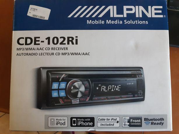 Radioodtwarzacz samochodowy CDE-102Ri