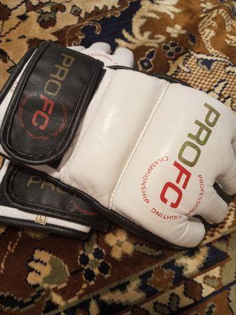 Продам перчатки ProFC для смешанных единоборств.