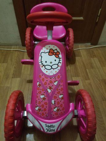 Hello Kitty LiTurbo Pedal Go Kart Ride - картинг, веломобиль детский.