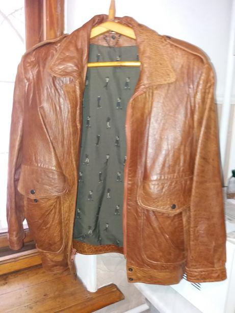 Продам женскую кожанную курточку
