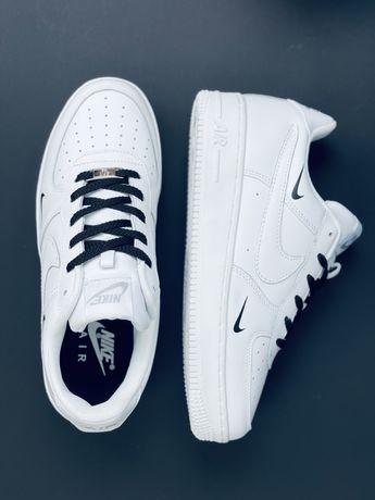 Лимитированые оригинальные кроссовки Nike Air Force 2021 (Англия) Найк