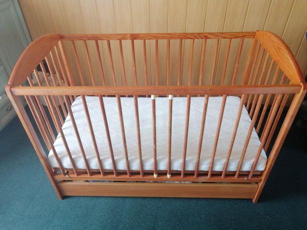 Łóżeczko drewniane dziecięce z szufladą i materacem