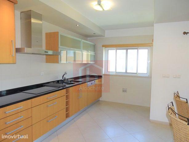 Apartamento Duplex T3 com garagem Box para 3 Viaturas em ...