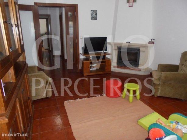 Apartamento T3 com garagem Sangalhos