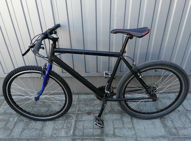 """Продам велосипед на 26"""" колесах в хорошем состоянии."""