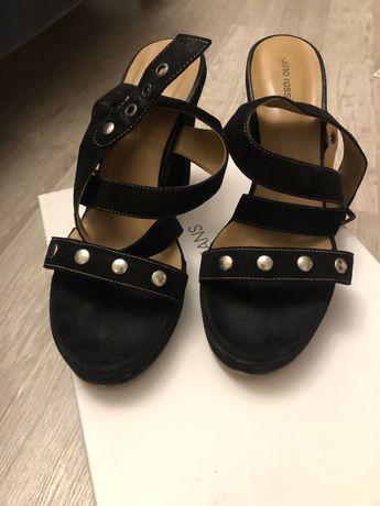 Sandały gino rossi 38 czarne zamszowe
