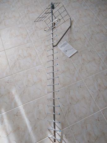 Антена дециметрова