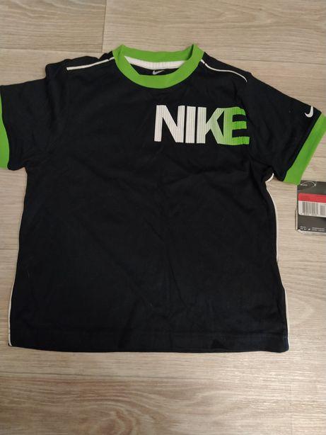 Новая футболка в школу на физкультуру Nike 6-7 лет, рост 116-122 см
