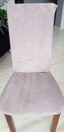 Welurowy pokrowiec na krzesła
