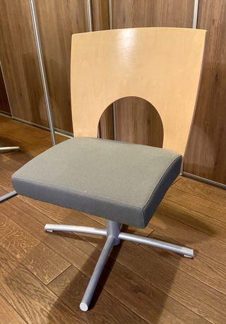 Krzesło obrotowe Kinnarps
