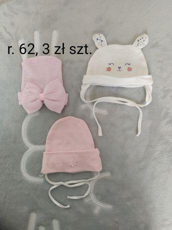 Czapeczki niemowlęce.