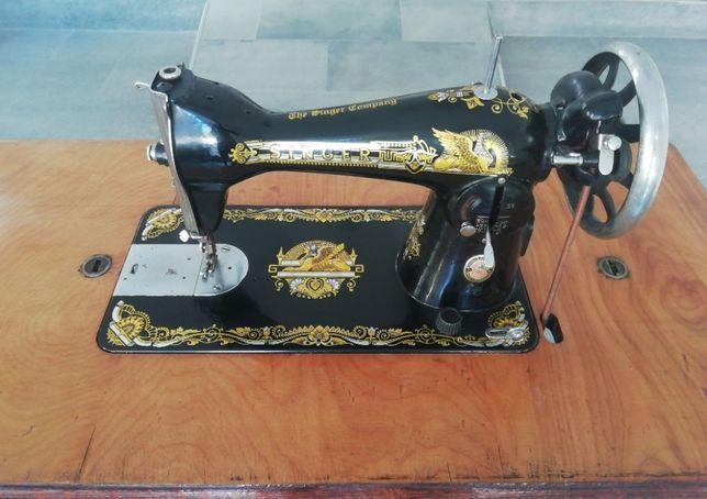 Máquina de Costura Singer - Relíquia restaurada