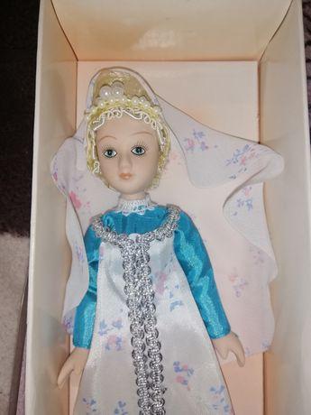 Куклы в народних костюмах, фарфоровые кукли