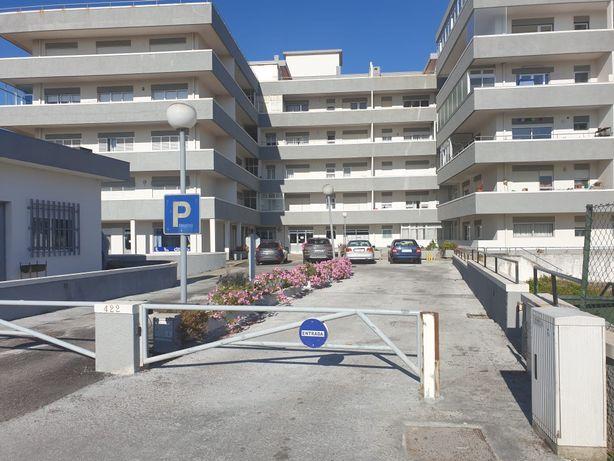 lugar de garagem + arrecadação praia mindelo