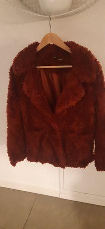 Kobieta moda odzież futerko H&M XS bordo
