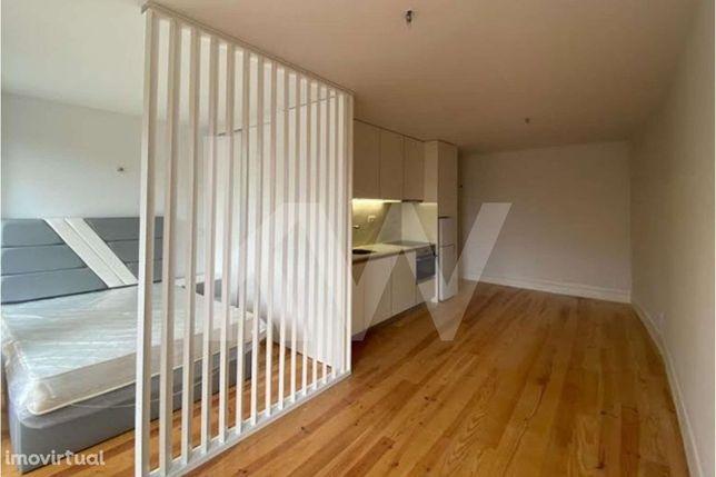 Apartamento T0 novo na Baixa Ribeirinha