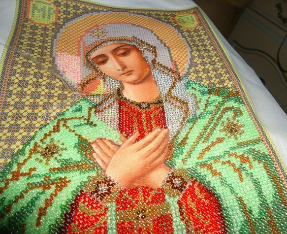 картина иконы бисером вышивать и крестик отдаю всё за 4000 р и вышитые