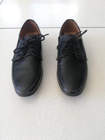 Buty dla chłopca wizytowe komunia ze skóry roz 35 czarne wiązane obcas