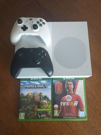 Xbox One S | 2 pady | 2 gry |