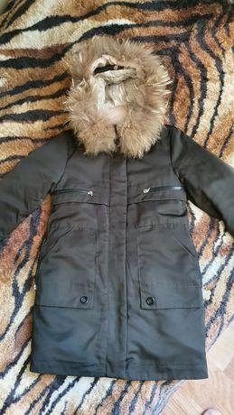 Продам зимнюю куртку для девочки 8-10 лет