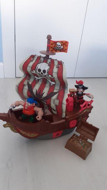 Statek piracki, piraci, światło, dźwięj, skarb, wystrzały, muzyka