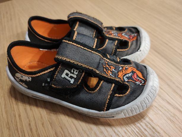 Kapcie trampki buty chłopięce Rozmiar 25