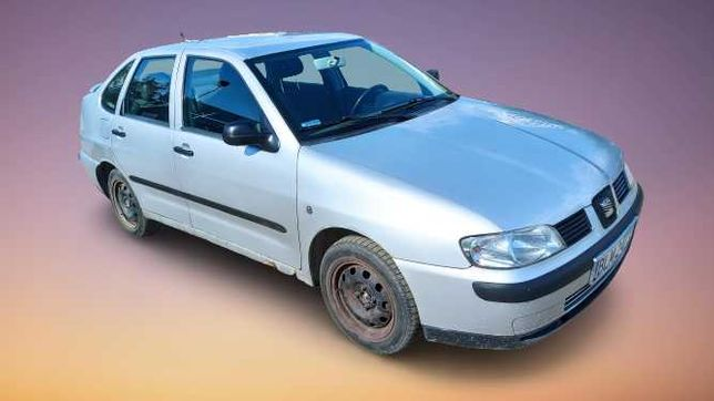 SEAT CORDOBA  1.6 Benz. 2002 rok, hak, Opłaty !