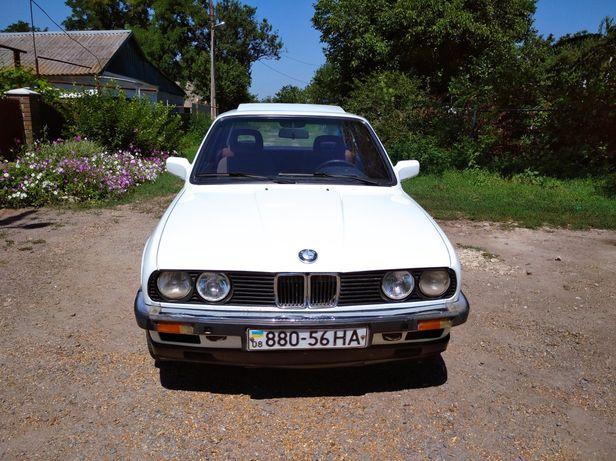 Продам авто BMW 318i