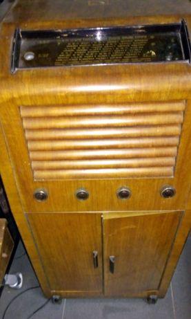Rádio e gira discos Antigo
