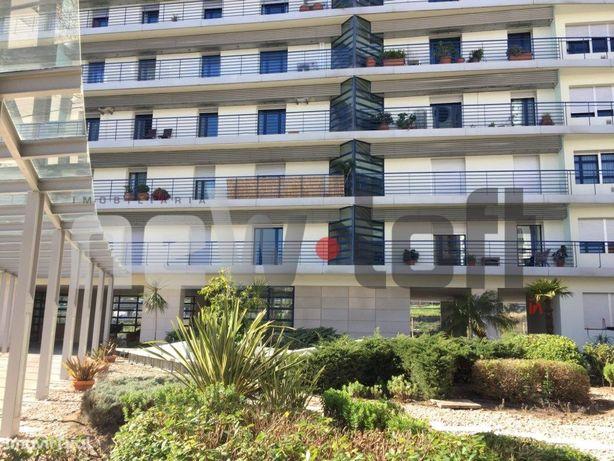 Lisboa -TWIN TOWERS - apartamento T3 com 140m2, mobilado,...