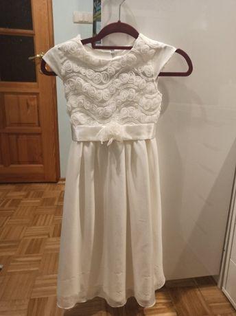 Biała sukienka tiulowa