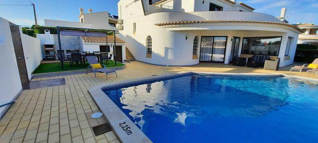Moradia V4 c/ Piscina p/ Férias. Galé - Albufeira - Algarve