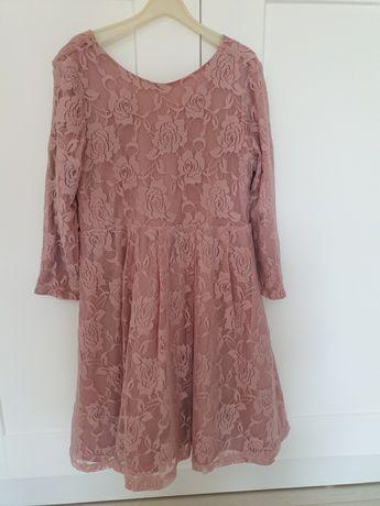 Sukienka koronkowa pudrowy róż Mohito 140