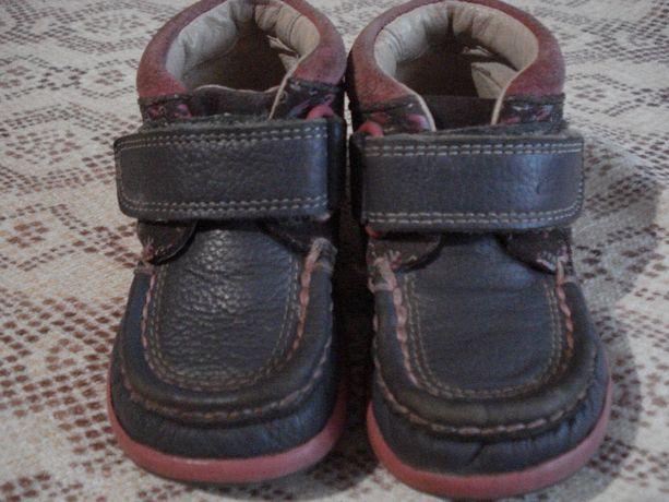 Ботинки демисезонные Clarks для девочки