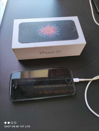 iPhone SE 16g como novo