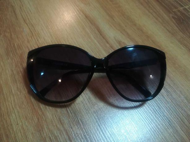 Okulary słoneczne jak nowe