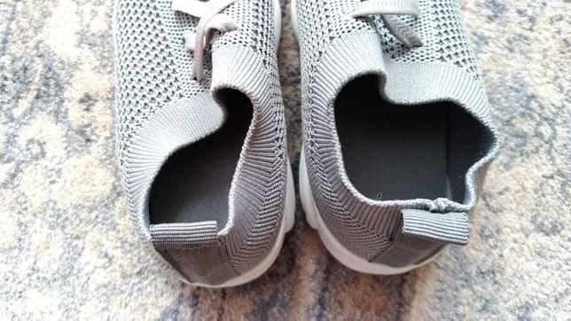 Buty butki dziecięce siateczkowe 32 na lato