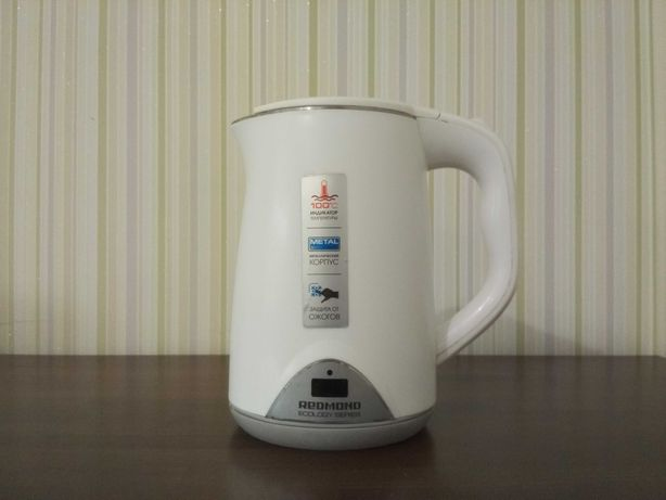 Чайник Redmond RK-M125D
