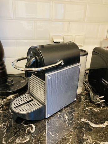 DELONGHI Nespresso Inissia Ekspres kapsułkowy Czarno-srerbny