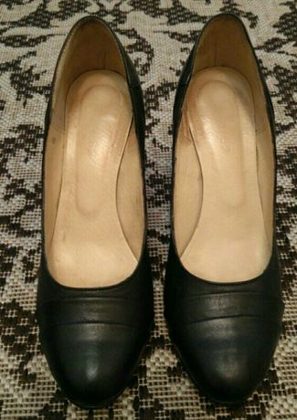 Кожаные туфли КАМЕЯ 38 размер