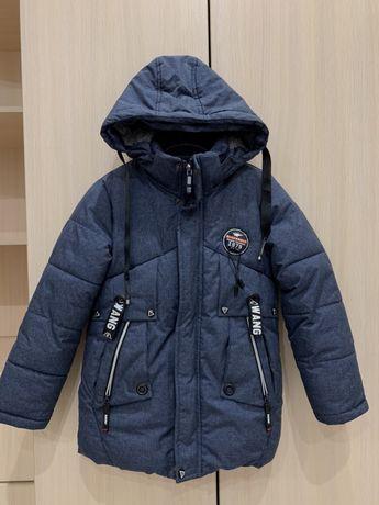 Зимова куртка у відмінному стані