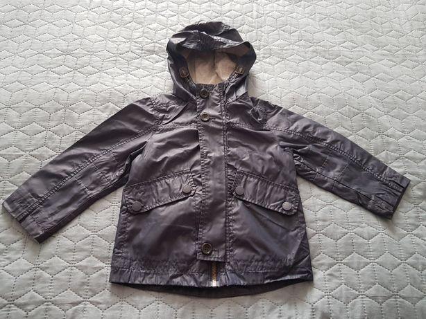 Демисезонная куртка ветровка benetton для мальчика 2 - 3 лет.