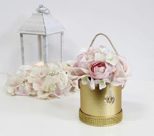 Bukiet FlowerBox GOLD PUDROWE kwiaty z błyskotkami na prezent