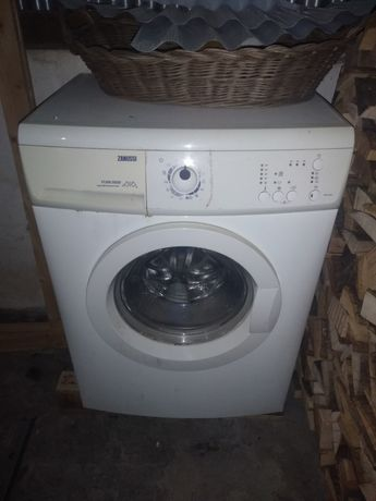 Máquina de lavar roupa Zanussi
